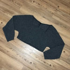 Cropped loose sweater